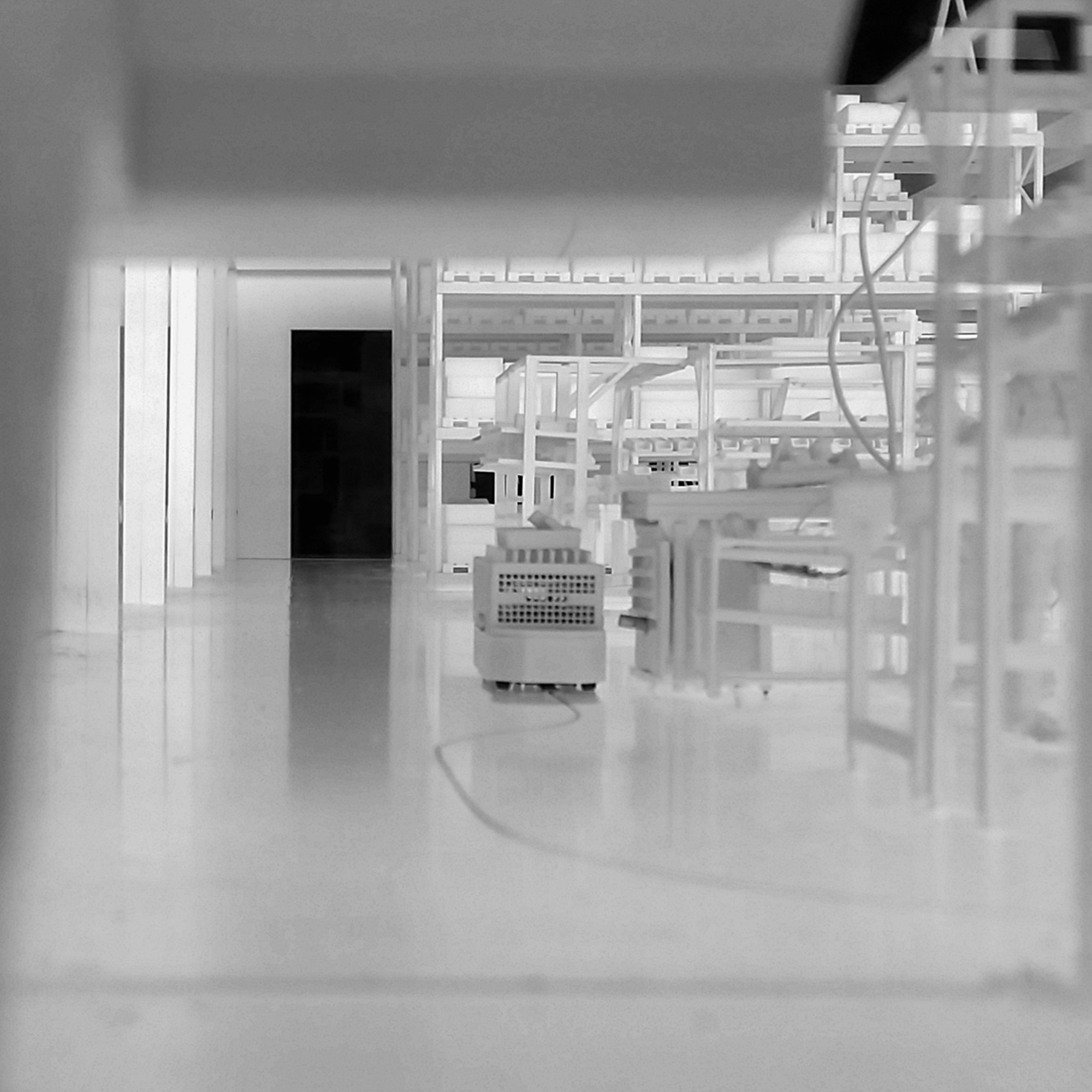 Logimat Exponat Werkshallenmodell mit fahrendem Weasel FTS