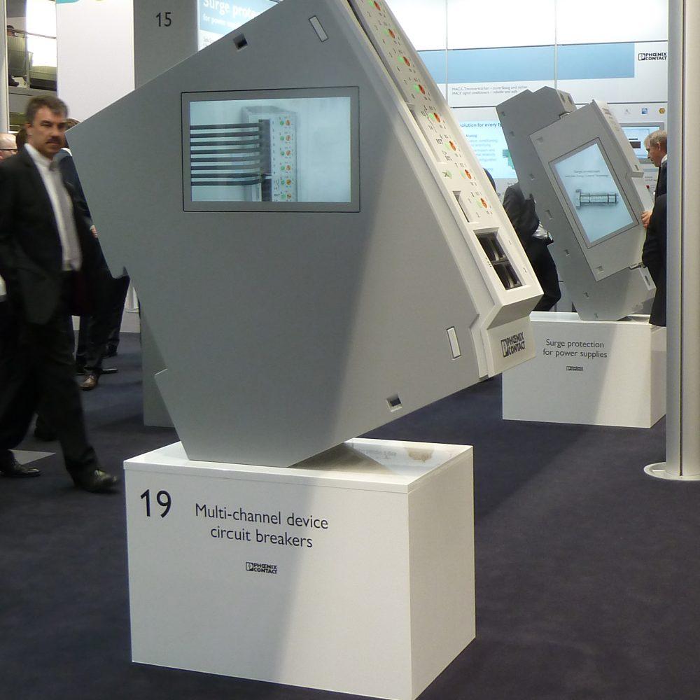 Messe-Großmodelle mit Monitor