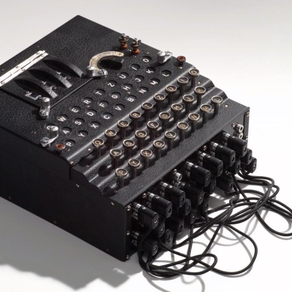 Nachbau einer Enigma M3 Verschlüsselungsmaschine